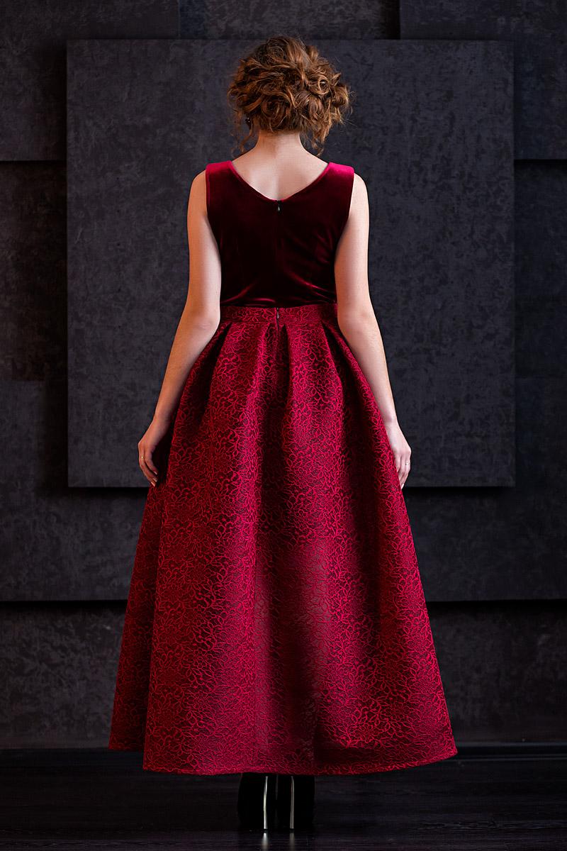 Эротика с моделями в шикарных вечерних платьях 17 фотография