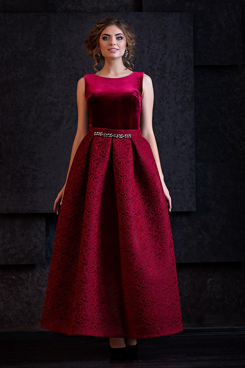 Эротика с моделями в шикарных вечерних платьях 5 фотография